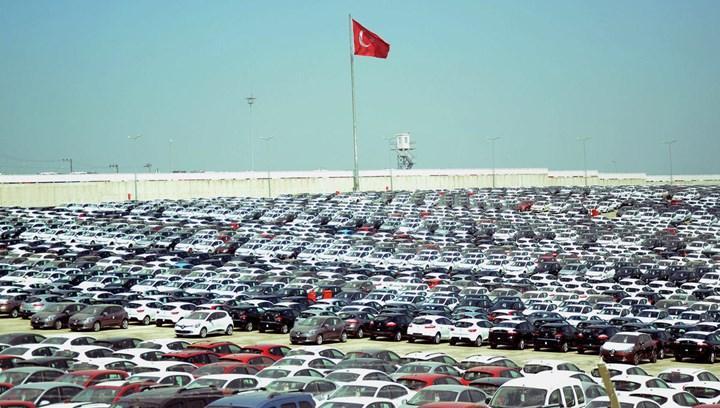 Çip krizi nedeniyle Türkiye'nin otomotiv ihracatı düşüşe geçti
