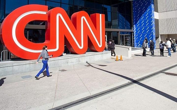 CNN, aşı olmayan çalışanlarını kovdu