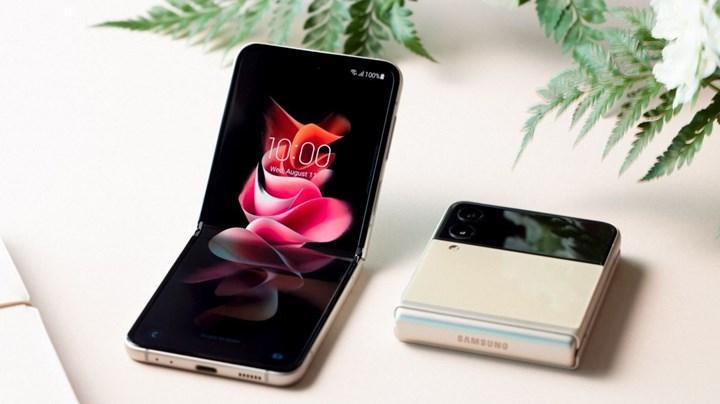 Samsung Galaxy Z Flip 3 tanıtıldı