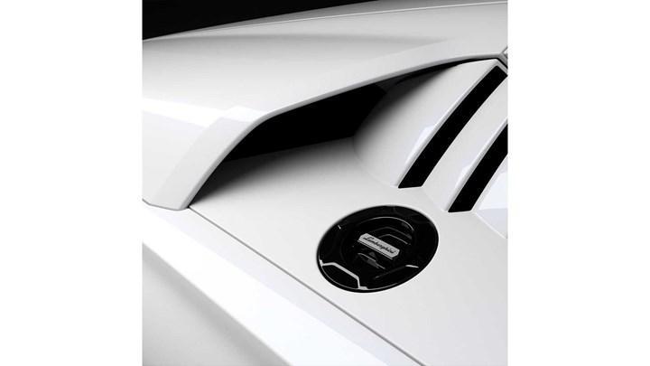Yeni Lamborghini Countach'ın ipucu görselleri paylaşıldı