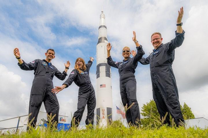 SpaceX'in ilk uzay turizmi görevi, Netflix dizisi oluyor