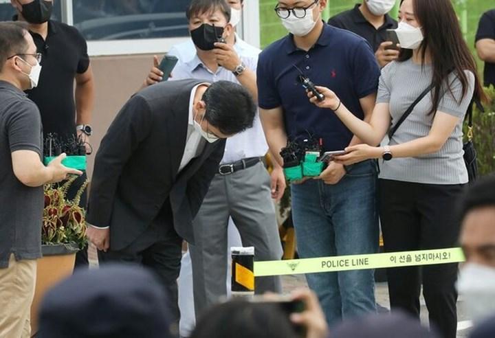 Samsung başkan yardımcısı, şartlı tahliyeyle serbest bırakıldı