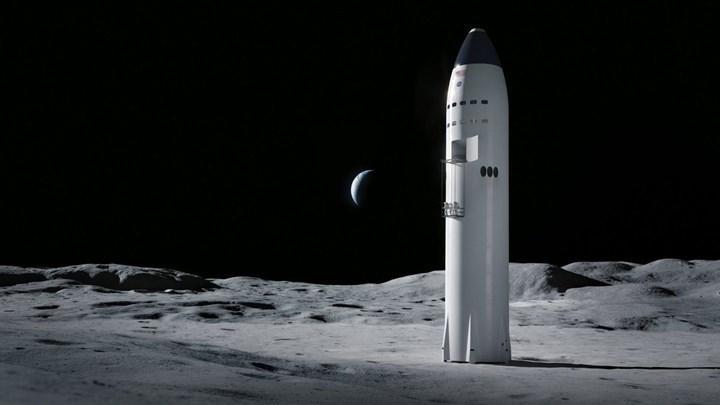 Elon Musk: SpaceX, 2024'ten önce Ay'a insan gönderebilir