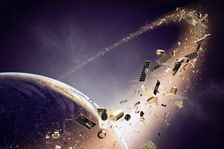 Uzay enkazı, Çin askeri uydusuna çarptı