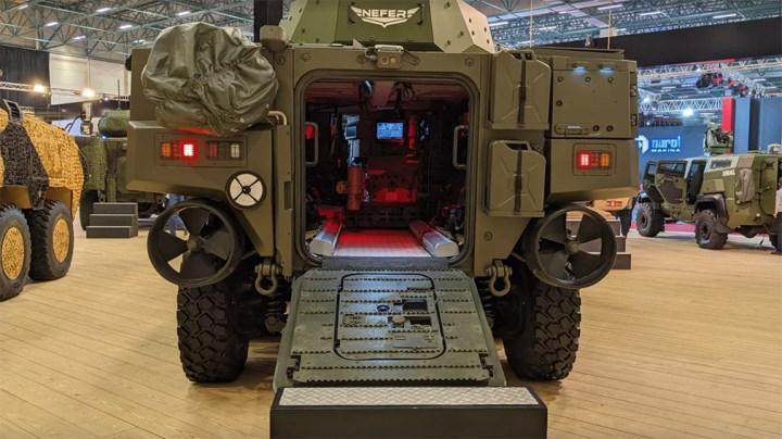 IDEF'21'de Arma 8x8 ve Cobra II 4x4 zırhlı araçlar sergilendi