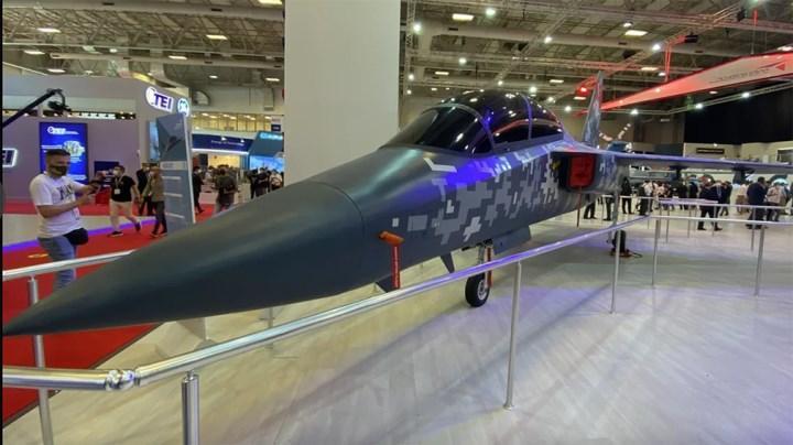 Tek motorlu avcı uçağı Hürjet, IDEF 21'de görücüye çıktı