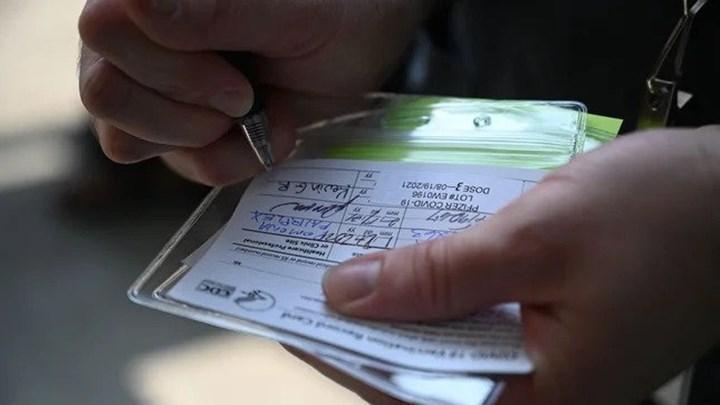 ABD, Alaska'da 3.000 sahte aşı kartı ele geçirdi