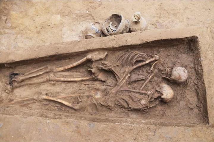 Çin'de iki aşığın 1500 yıllık mezarı bulundu