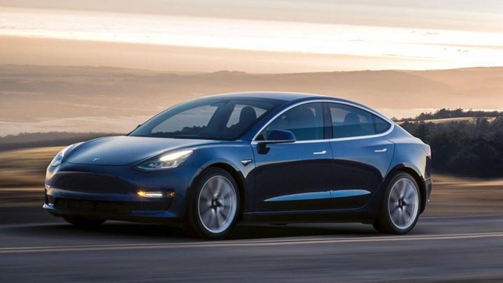 Tesla'nın Model 3'ü 1 milyonluk satışı geçti
