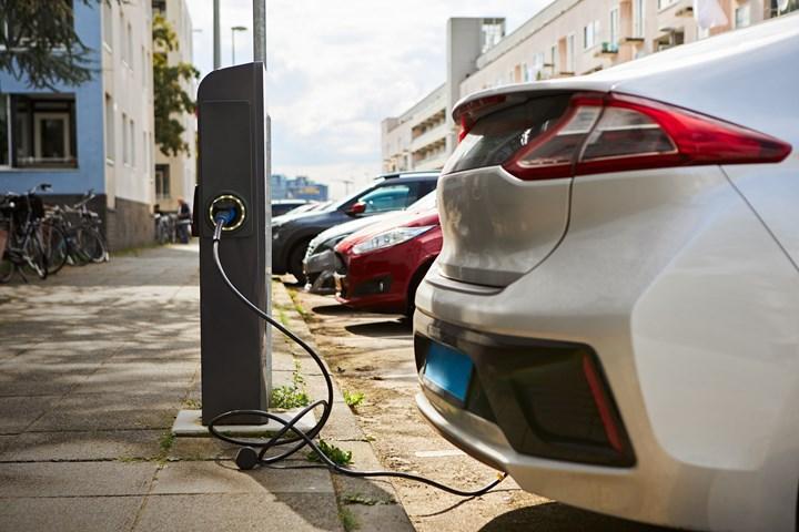 ABD'de elektrikli araç satışları her yıl artıyor