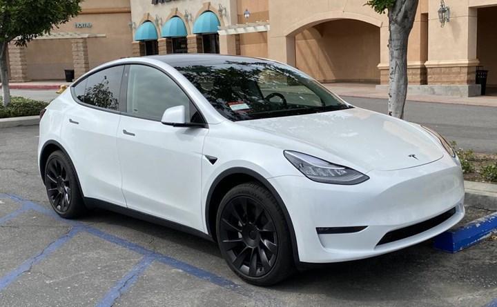 Tesla, Model Y ile Avrupa'da zirveye oynuyor