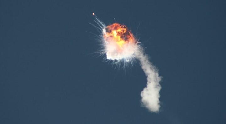 Firefly Aerospace roketi fırlatıldıktan bir süre sonra patladı