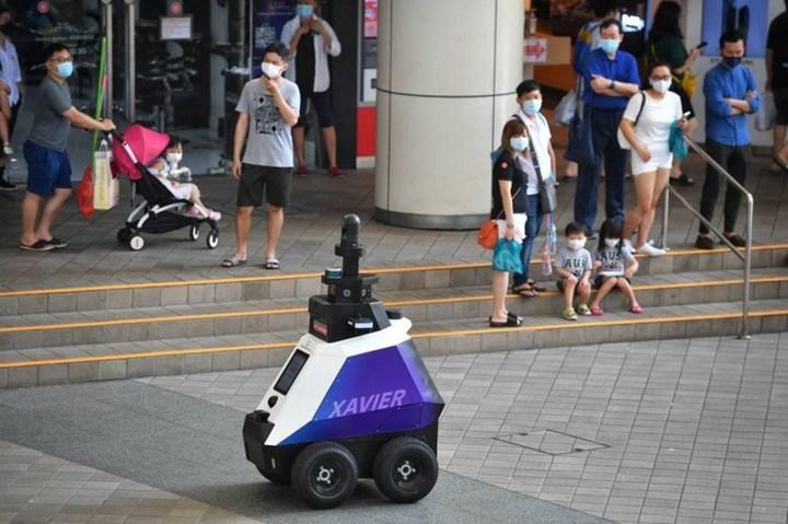 Singapur robot devriyeler