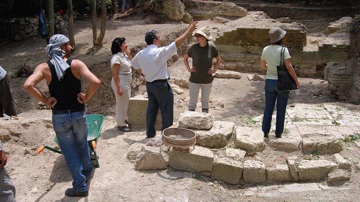 Bathonea kazılarında yeni bulgulara ulaşıldı