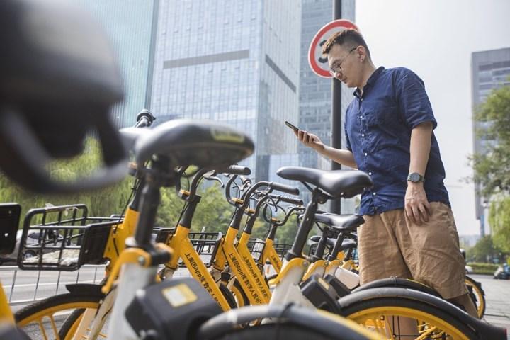 Çin'de bisiklet kiralayanlara dijital yuan hediye