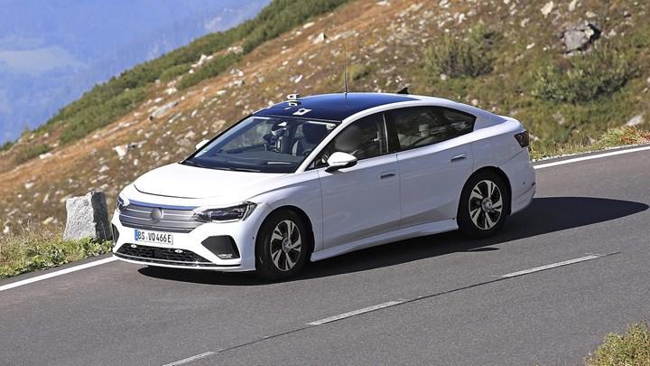 Volkswagen'in elektrikli sedan modeli ilk kez görüntülendi