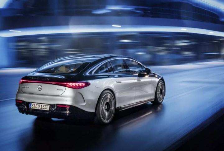 Elektrikli Mercedes EQS'in Türkiye fiyatı belli oldu