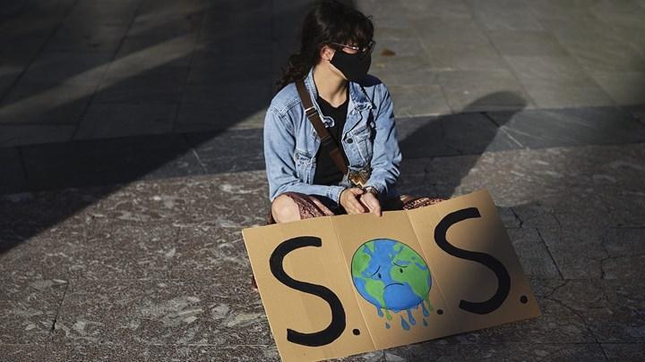 Anket: Gençler insanlığın mahvolduğunu düşünüyor