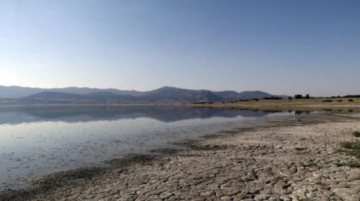 Burdur Gölü'nde yüzer güneş panelleri inşa edilecek