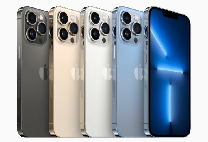 iPhone 13 ön siparişleri, iPhone 12'yi geride bıraktı