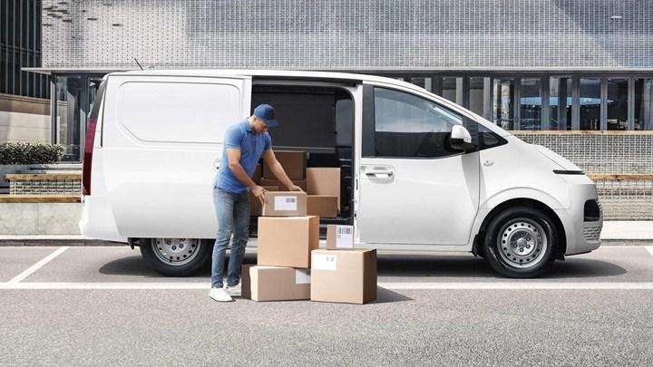 Hyundai Staria'nın panelvan versiyonuna göz atın: Staria-Load