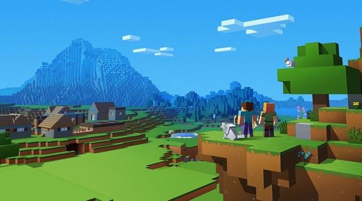 En az iki Minecraft oyunu geliştirme aşamasında