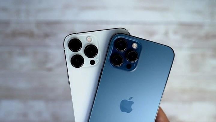 iPhone 13 ile çekilen fotoğraflarda siyah pikseller görülüyor