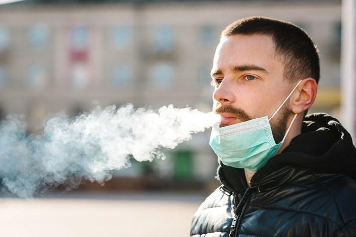 Sigara içmek, Covid'ten ölme ve hastaneye yatma riskini artırıyor