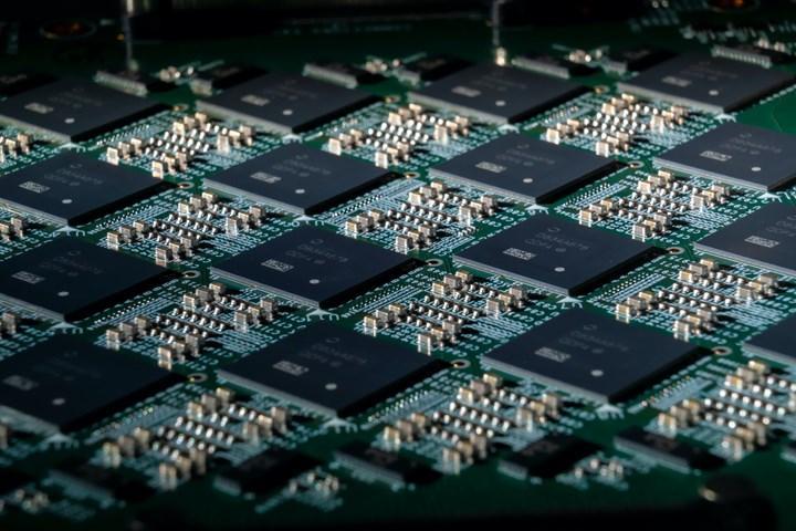 Samsung, insan beyninin nöron haritasını belleklere aktaracak