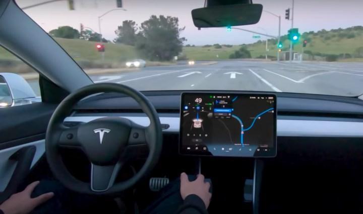 Tesla otonom sürüş modu
