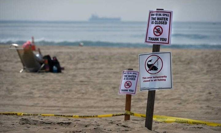 Kaliforniya'da petrol sızıntısı: 126.000 galon petrol döküldü