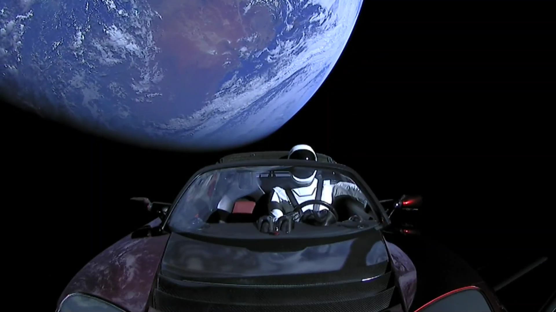 Elon Musk, Marsa göndereceği arabasının fotoğraflarını paylaştı