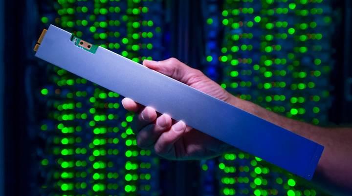 Intel en yüksek yoğunluğa sahip SSD'sini duyurdu