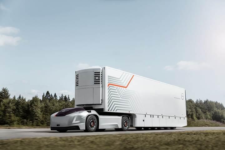 Volvo, sürücü kabini olmayan elektrikli ve otonom tırını tanıttı