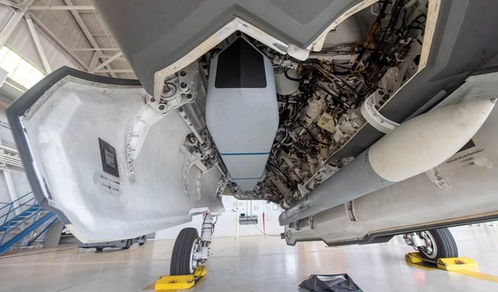 F-35'ler SOM füzesi ile uçuşlara başladı
