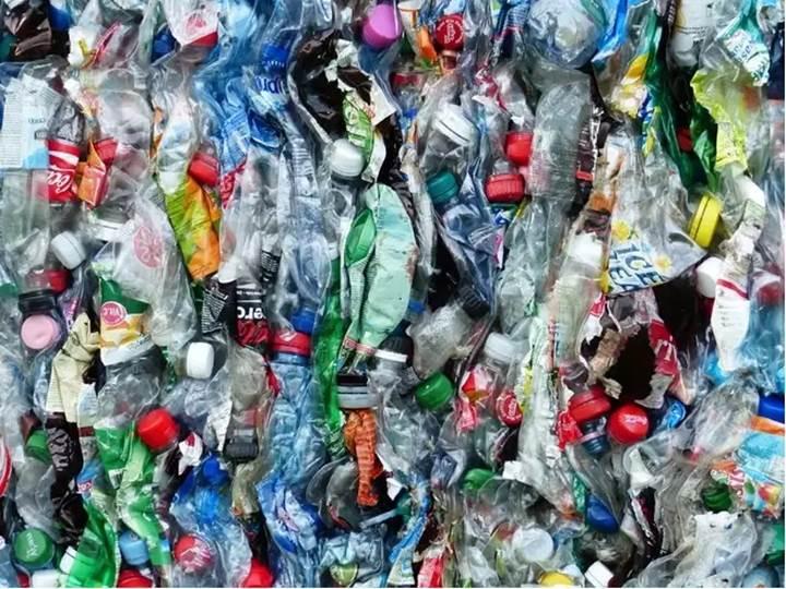 Plastik israfımız o kadar çok ki gözümüzde canlandırmamız neredeyse imkânsız