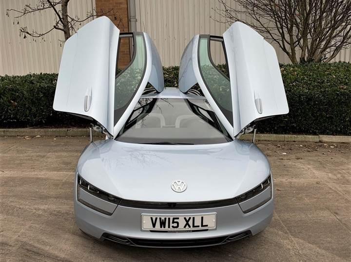 Volkswagen'in fütüristik dizel-hibrit modeli açık artırma ile satılacak