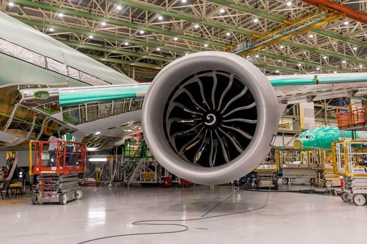Dünyanın en büyük turbofan jet motoru artık Boeing 777X'in kanatları altında