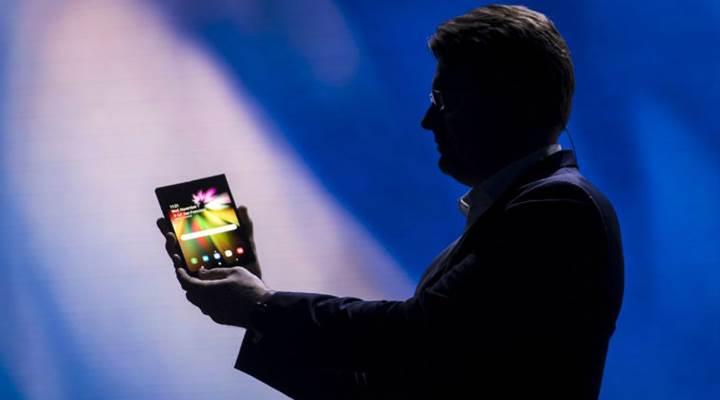 Samsung'un katlanabilir telefonu Galaxy F iki batarya ile gelebilir