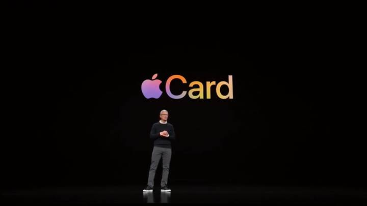 Apple kendi kredi kartını tanıttı!