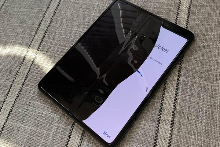 Samsung ilk günden ekranları kırılan Galaxy Fold modelleri hakkında açıklama yaptı