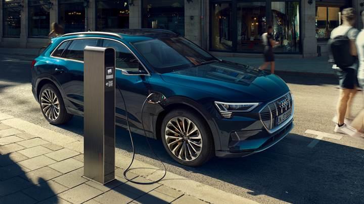 Audi, ABD'deki ilk elektrikli otomobilini yangın tehlikesi yüzünden geri çekiyor