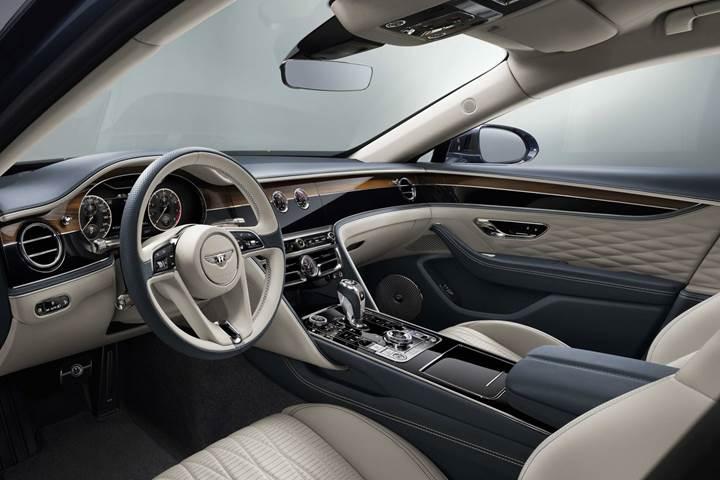 2020 Bentley Flying Spur tanıtıldı: Dört tekerlekten yönlendirmeye sahip ilk Bentley