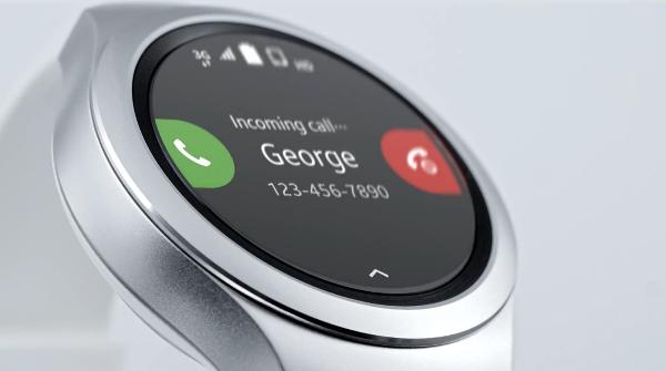 Samsung Gear S2'nin yeni reklamı sesli görüşme özelliğine odaklanıyor
