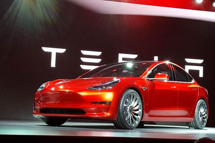 Tesla, otomobil dünyasının Apple'ı mı?