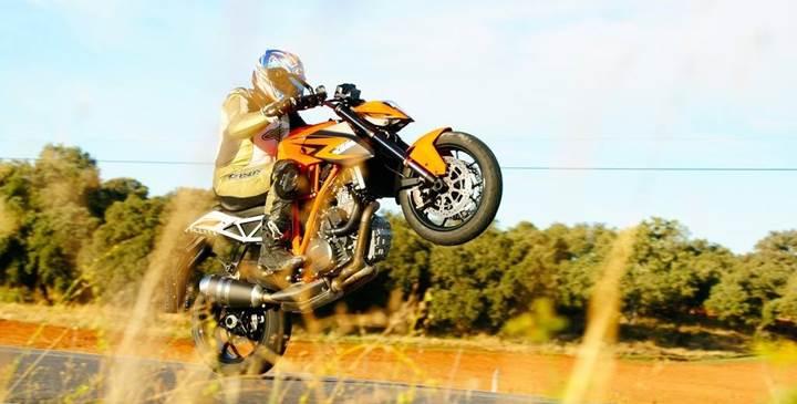 Motosiklet dünyasının sevilen isimlerinden Altın Elbiseli Adam hayatını kaybetti