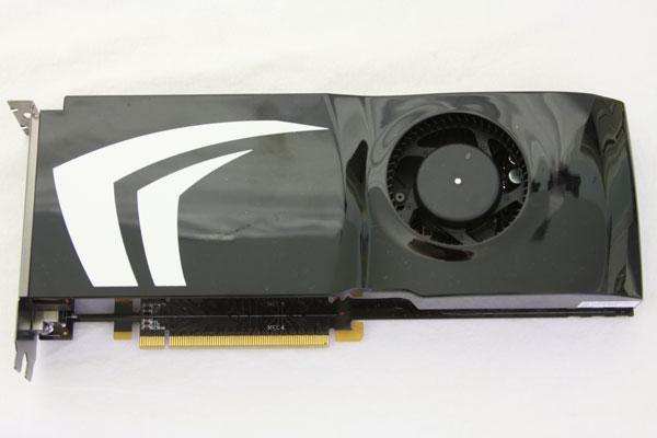 XFX nForce 750a SLI yonga setli yeni anakartını duyurdu