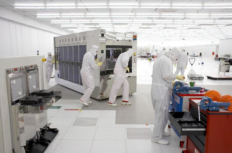 AMD Fab38 ayda 20.000 45nm wafer üretecek