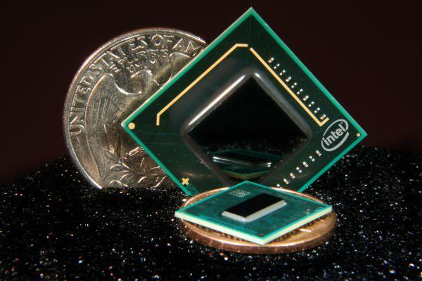 Intel'in tek çekirdekli ve 1.6GHz'de çalışan ATOM işlemcisine ait ilk örnekler hazır